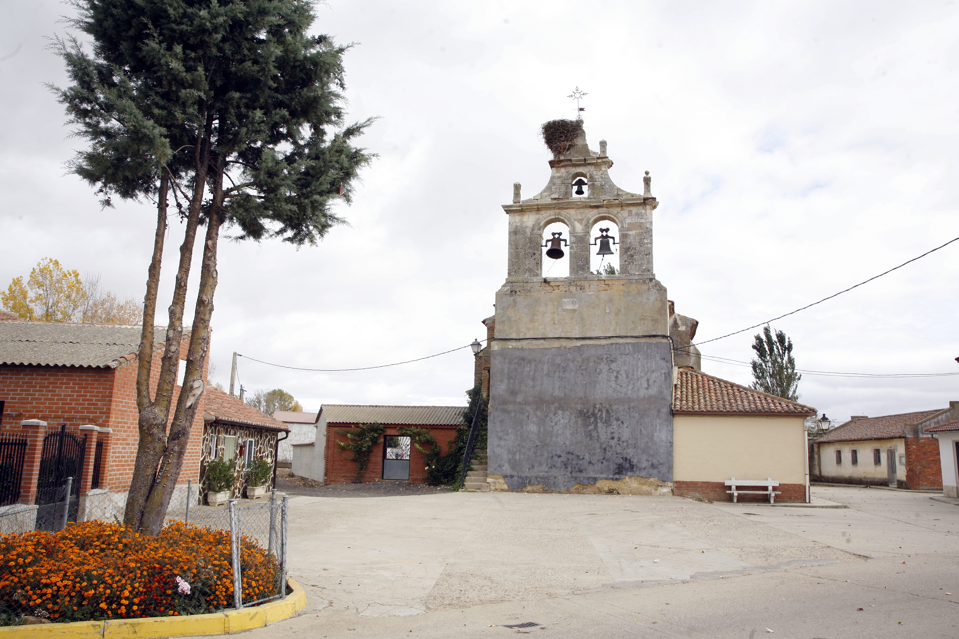 Bustillo de la Vega-Iglsa